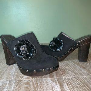 Madeline Stuart mules size 8